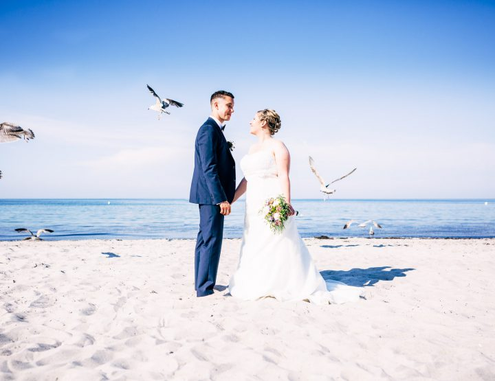 Janine und Christian - Gutsscheune Thorstorf - Paarshooting am Strand von Boltenhagen